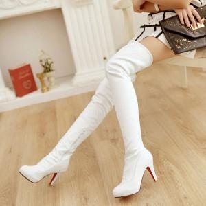 Белые стрейчевые ботфорты