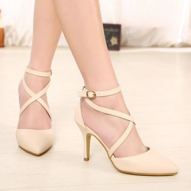 Бежевые туфли на каблуке с ремешками 52b29d8e2b4a9