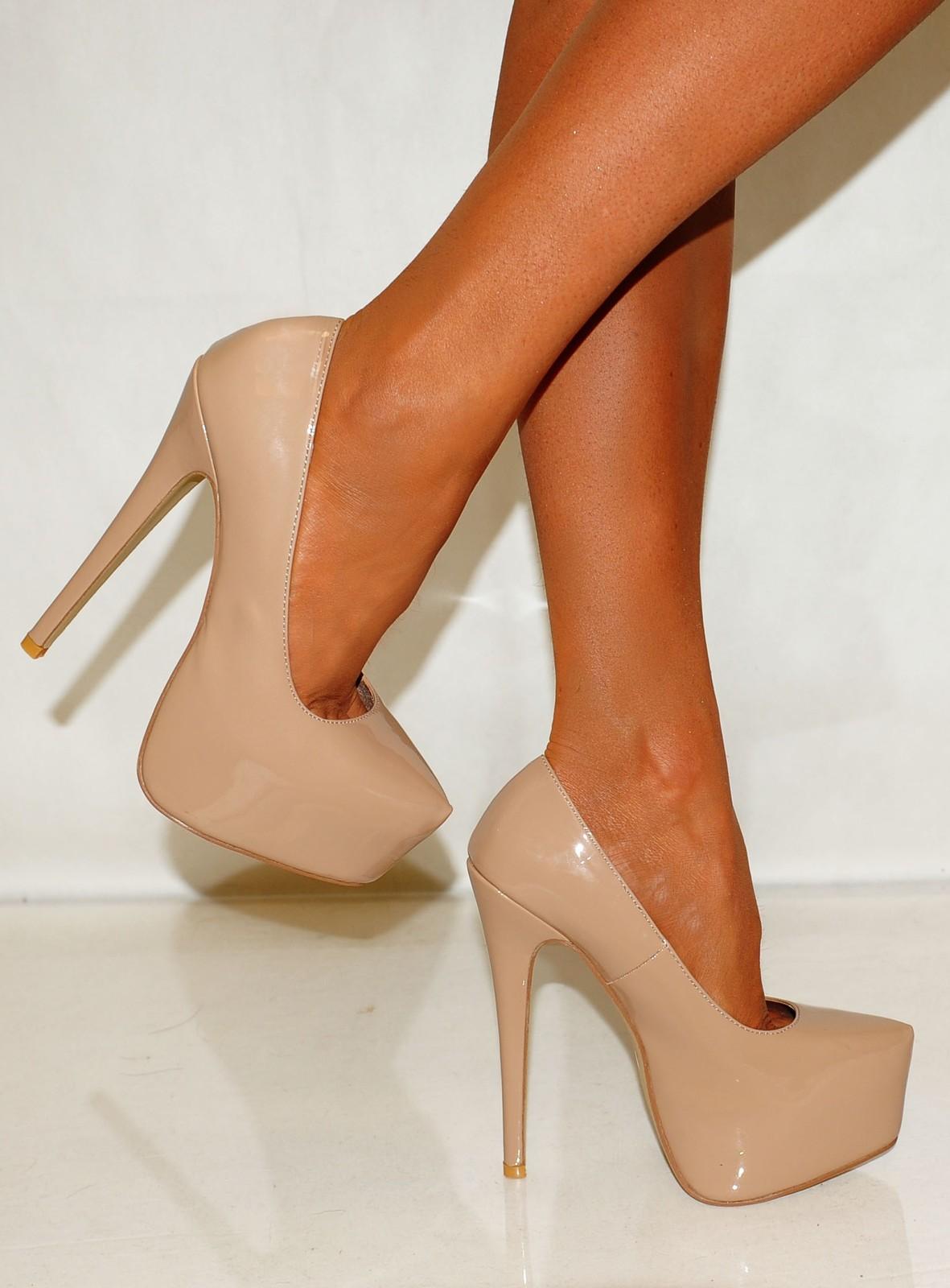 Туфли бежевого цвета фото